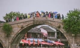 Γέφυρα Fangsheng στην αρχαία πόλη Zhujiajiao, Κίνα Στοκ φωτογραφία με δικαίωμα ελεύθερης χρήσης