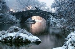 Γέφυρα Gapstow κατά τη διάρκεια του χειμώνα, πόλη του Central Park Νέα Υόρκη ΗΠΑ στοκ φωτογραφίες
