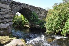 Γέφυρα Garfinny Dingle, ιρλανδική αγελάδα κομητειών, Ιρλανδία Στοκ εικόνα με δικαίωμα ελεύθερης χρήσης