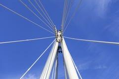 Γέφυρα Hungerford και χρυσές γέφυρες ιωβηλαίου στον ποταμό του Τάμεση, λεπτομέρεια της κατασκευής, Λονδίνο, Ηνωμένο Βασίλειο Στοκ Φωτογραφία