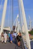 Γέφυρα Hungerford και χρυσές γέφυρα ιωβηλαίου στον ποταμό του Τάμεση, Λονδίνο, Ηνωμένο Βασίλειο Στοκ Φωτογραφία