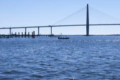 Γέφυρα Jr Ravenel πέρα από τον ποταμό του Cooper στοκ φωτογραφίες