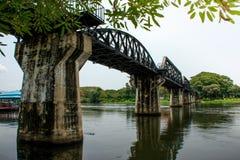 Γέφυρα Kwai ποταμών στο kanchanaburi Στοκ Εικόνες