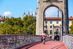 Γέφυρα Old Passerelle du κολλεγίου πέρα από τον ποταμό Ροδανού στη Λυών, φράγκο Στοκ φωτογραφία με δικαίωμα ελεύθερης χρήσης
