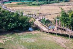 Γέφυρα pe SU Tong, όμορφη γέφυρα μπαμπού στο γιο της Mae Hong Στοκ φωτογραφία με δικαίωμα ελεύθερης χρήσης