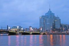 Γέφυρα Sampsonievsky και κατοικημένη σύνθετη αυγή Άγιος-Πετρούπολη Ρωσία Στοκ εικόνες με δικαίωμα ελεύθερης χρήσης
