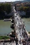 Γέφυρα Sant'Angelo Ponte που οδηγεί σε Castel Sant'Angelo στη Ρώμη Στοκ φωτογραφία με δικαίωμα ελεύθερης χρήσης