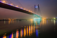 Γέφυρα setu Vidyasagar στον ποταμό Hooghly στο λυκόφως Στοκ Εικόνα