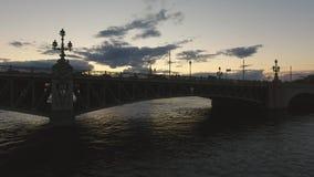 Γέφυρα Troitskiy Πετρούπολη Ρωσία ST Ρωσία φιλμ μικρού μήκους
