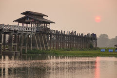 Γέφυρα Ubein στην ανατολή στο Mandalay, το Μιανμάρ Στοκ εικόνα με δικαίωμα ελεύθερης χρήσης