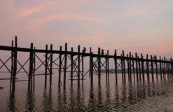 Γέφυρα Ubein στην ανατολή Στοκ φωτογραφία με δικαίωμα ελεύθερης χρήσης