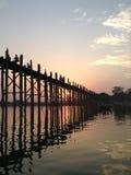 Γέφυρα Ubien στο χρόνο senset Στοκ Εικόνες