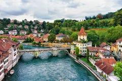 Γέφυρα Unterbrucke πέρα από τον ποταμό Aare στη Βέρνη Ελβετός Στοκ Φωτογραφία