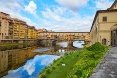 Γέφυρα Vecchio Ponte με την αντανάκλαση στον ποταμό Φλωρεντία, Ιταλία Στοκ φωτογραφίες με δικαίωμα ελεύθερης χρήσης