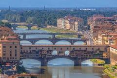 Γέφυρα Vecchio Ponte πέρα από τον ποταμό Arno στη Φλωρεντία Στοκ φωτογραφία με δικαίωμα ελεύθερης χρήσης