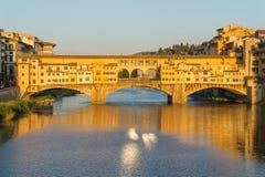 Γέφυρα Vecchio Ponte πέρα από τον ποταμό Arno Στοκ φωτογραφίες με δικαίωμα ελεύθερης χρήσης