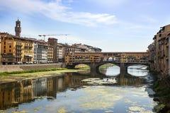Γέφυρα Vecchio Ponte στη Φλωρεντία το καλοκαίρι Στοκ Εικόνες