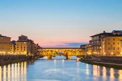 Γέφυρα Vecchio Ponte τη νύχτα στη Φλωρεντία, Τοσκάνη, Ιταλία Στοκ Εικόνες