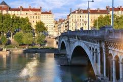 Γέφυρα Wilson άποψης το καλοκαίρι στον ποταμό Ροδανός Λυών Γαλλία Στοκ Εικόνες