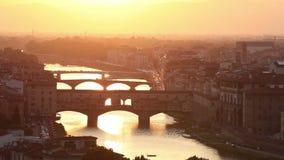 Γέφυρες της Φλωρεντίας στο ηλιοβασίλεμα, Ιταλία απόθεμα βίντεο