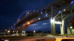 Γέφυρες Bluewater τη νύχτα Στοκ Φωτογραφίες