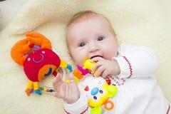 γέλιο μωρών ευτυχής μητέρα μωρών Στοκ Εικόνες