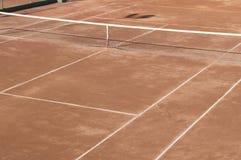 Γήπεδο αντισφαίρισης επιφάνειας αργίλου Στοκ εικόνα με δικαίωμα ελεύθερης χρήσης
