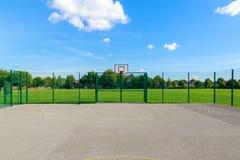γήπεδο μπάσκετ υπαίθριο Στοκ φωτογραφία με δικαίωμα ελεύθερης χρήσης