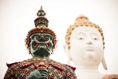 Γίγαντας και Βούδας Στοκ Εικόνες
