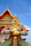 Γίγαντας στο δημόσιο ναό Wat Samakhitham στη Μπανγκόκ Ταϊλάνδη στοκ φωτογραφίες με δικαίωμα ελεύθερης χρήσης
