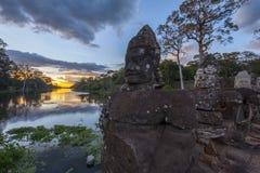 Γίγαντες σε Angkor Thom Στοκ Φωτογραφίες