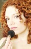 γίνοντας παίρνοντας makeup τη γ&ups στοκ εικόνες με δικαίωμα ελεύθερης χρήσης