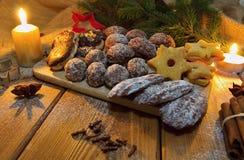 γίνοντα γλυκά παλατιών μπισκότων Χριστουγέννων μελόψωμο Στοκ εικόνα με δικαίωμα ελεύθερης χρήσης