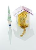 γίνοντα σπίτι χρήματα Στοκ φωτογραφία με δικαίωμα ελεύθερης χρήσης