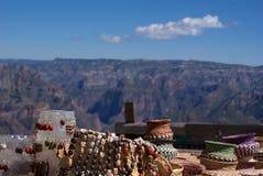 Γίνοντα raramuri αναμνηστικά Tarahumara που πωλούνται στα φαράγγια χαλκού, Γ Στοκ Εικόνα