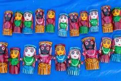 Γίνοντες ξύλο κούκλες - βιοτεχνίες Στοκ εικόνα με δικαίωμα ελεύθερης χρήσης