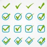 Γαλαζοπράσινα κουμπιά στο άσπρο υπόβαθρο Στοκ εικόνα με δικαίωμα ελεύθερης χρήσης