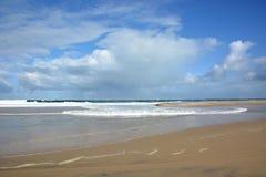Γαλλία, Aquitaine, ατλαντική ακτή, παραλία στη πλημμυρίδα στοκ φωτογραφίες