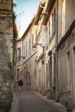 Γαλλία, Arles, μια οδός στην παλαιά πόλη Στοκ Εικόνα