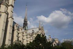 Γαλλική γοτθική αρχιτεκτονική - καθεδρικός ναός Notre-Dame περιοχής Στοκ φωτογραφία με δικαίωμα ελεύθερης χρήσης