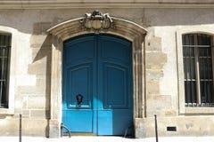 Γαλλική μπλε πόρτα Στοκ Φωτογραφία