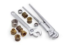 Γαλλικό κλειδί υδραυλικών, διευθετήσιμο γαλλικό κλειδί και διάφορο τμήμα υδραυλικών Στοκ φωτογραφία με δικαίωμα ελεύθερης χρήσης