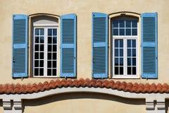 Γαλλικό παράθυρο στην Προβηγκία Στοκ φωτογραφίες με δικαίωμα ελεύθερης χρήσης