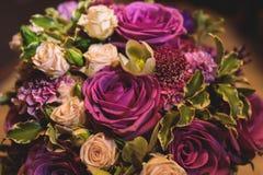 Γαμήλια ανθοδέσμη από τα ρόδινα τριαντάφυλλα στοκ φωτογραφίες