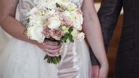 Γαμήλια ανθοδέσμη εκμετάλλευσης νυφών φιλμ μικρού μήκους