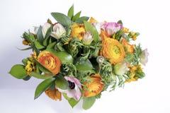 Γαμήλια ανθοδέσμη των νεραγκουλών, anemones και Ruscus Στοκ εικόνες με δικαίωμα ελεύθερης χρήσης