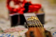 Γαμήλια δαχτυλίδια, γαμήλια δαχτυλίδια στη ημέρα γάμου Στοκ Φωτογραφία