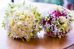 Γαμήλια δύο ανθοδέσμη στοκ εικόνα με δικαίωμα ελεύθερης χρήσης