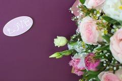 Γαμήλια κάρτα στους ρόδινους και πορφυρούς τόνους Στοκ εικόνες με δικαίωμα ελεύθερης χρήσης