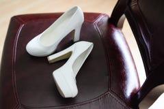 Γαμήλια παπούτσια θηλυκά υποδήματα στοκ εικόνες